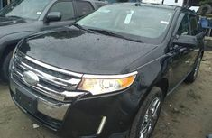 Authentic black 2013 Ford Edge automatic in good condition