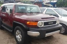 Selling 2010 Toyota FJ CRUISER suv in good condition at price ₦7,000,000