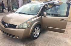 Sell well kept 2004 Nissan Quest automatic