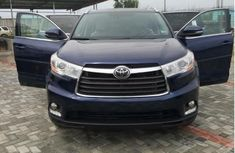 Best priced used 2014 Toyota Highlander suv / crossover automatic