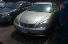 Well maintained 2002 Lexus ES automatic for sale
