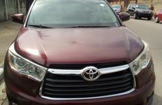Well maintained 2014 Toyota Highlander automatic at mileage 76,588 for sale