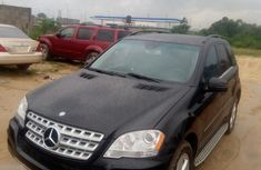 Sell well kept black 2011 Mercedes-Benz ML350 suv automatic