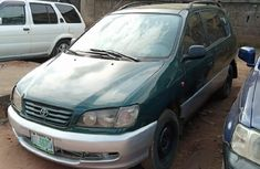 Green 2002 Toyota Picnic van / minibus manual car at attractive price