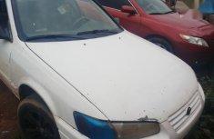 Sell used 1999 Toyota Camry sedan automatic