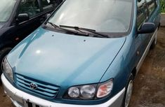 Need to sell cheap used 2000 Toyota Picnic suv in Lagos