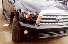 Selling 2010 Toyota Sequoia automatic in good condition