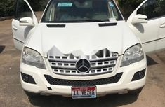 Sell white 2011 Mercedes-Benz ML350 automatic in Lagos at cheap price