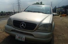 Sell gold 2005 Mercedes-Benz ML350 automatic