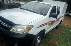 Sell white 2008 Toyota Hilux manual in Abuja at cheap price
