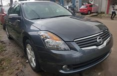 Best priced used black 2007 Nissan Altima automatic in Ikeja