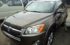 Selling 2003 Toyota RAV4 in good condition at price ₦900,000 in Sokoto