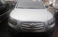 Hyundai Santa Fe 2010 Silver color for sale