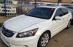 Selling 2010 Honda Accord in good condition at price ₦2,000,000