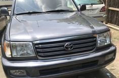 Toyota Land Cruiser 4x4 2005 Gray color for sale