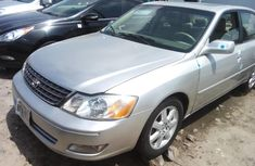 Selling grey 2004 Toyota Avalon automatic at price ₦1,450,000