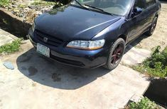 Selling blue 2001 Honda Accord sedan automatic