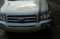 Sell well kept 2007 Toyota Highlander automatic