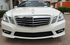 Mercedes-Benz E350 2010 White color for sale