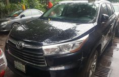 Well maintained 2014 Toyota Highlander suv automatic for sale in Lagos
