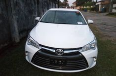 Well maintained white 2017 Toyota Camry automatic for sale at price ₦6,000,000