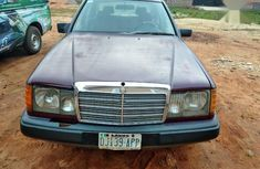 Mercedes-Benz 220E 1990 Red color for sale