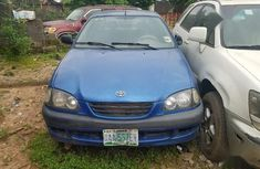 Need to sell cheap used 2003 Toyota Avensis manual