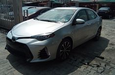 Sell grey/silver 2017 Toyota Corolla sedan automatic at cheap price