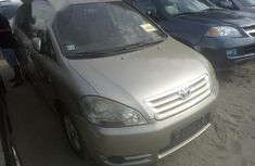 Foreign Used 2005 Toyota Avensis Gold Colour
