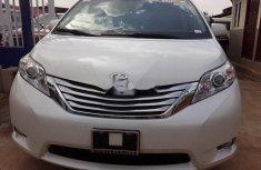 Sell 2012 Toyota Sienna van / minibus automatic in Lagos