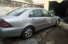 Very sharp neat  2004 Mercedes-Benz C230 for sale in Surulere