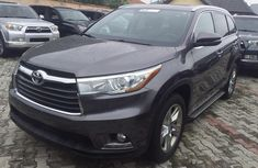 Used 2016 Toyota Highlander automatic for sale at price ₦13,500,000 in Lagos