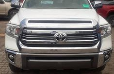 Authentic white 2016 Toyota Tundra automatic in good condition