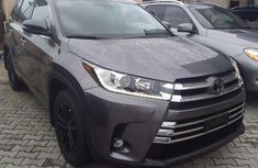 Used 2019 Toyota Highlander automatic for sale at price ₦19,500,000
