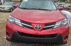 A very nealt Tokunbo Toyota RAV4 2015 LE 4dr SUV (2.5L 4cyl 6A) Red