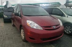 Clean Foreign used Toyota Sienna 2008 LE AWD Red