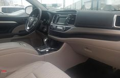Tokunbo 2015 Toyota Highlander Gray Colour in Lagos