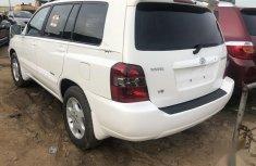 Neatly used Tokunbo Toyota Highlander 2007 V6 White