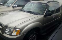 Neat Tokumbo Ford Explorer Sport Track Automatic 2005 Gold
