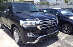 Neat Foreign used Toyota Land Cruiser 2017 Black