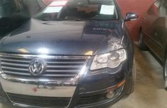 Neat Nigerian used Volkswagen Passat 2006 Blue