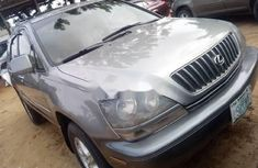 Need to sell grey/silver 2001 Lexus RX at price ₦1,500,000