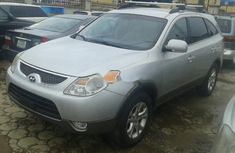 Grey/silver 2009 Hyundai Veracruz suv / crossover automatic for sale at price ₦3,200,000