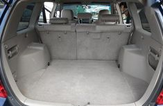 Clean Foreign used Toyota Highlander 2002 Blue