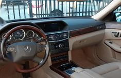 Neat Tokunbo Mercedes-Benz E350 2010 Blue