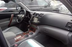 Foreign Used Toyota Highlander 2010 Gray