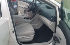 Clean Foreign used Toyota Venza 2014 White
