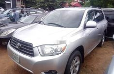 Sell well kept 2008 Toyota Highlander in Lagos