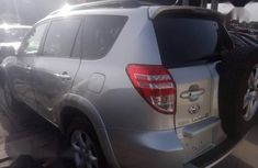 Clean Tokunbo Toyota RAV4 2010 3.5 Limited Silver