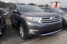 Neat Tokunbo Toyota Highlander 2012 Gray